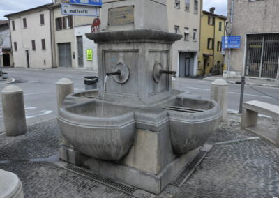 Fontana di Taverna