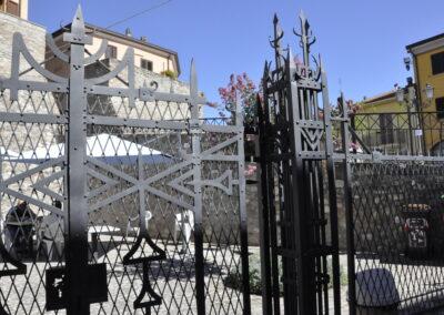 Giardino degli asinelli, cancello