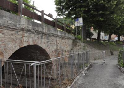 Antica strada sotto il ponte - Santa Maria del Piano