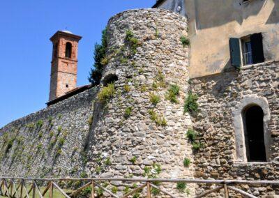 Torre civica e torrione delle mura- Albereto